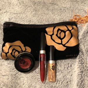 Mary Kay Holiday gift set